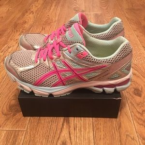 ASICS GT-1000 Women's Running Shoes (used) Sz 8.5